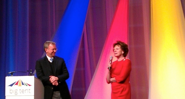 Googlaar Eric Schmidt en eurocommisaris Neelie Kroes